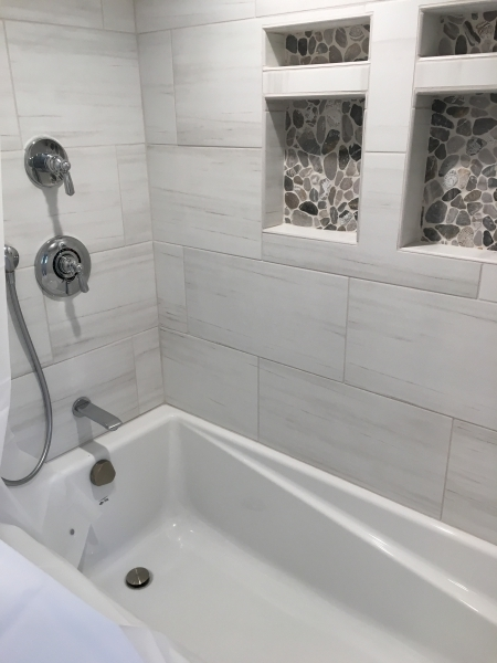 ALCO EVOKE WHITE TUB SURROUND